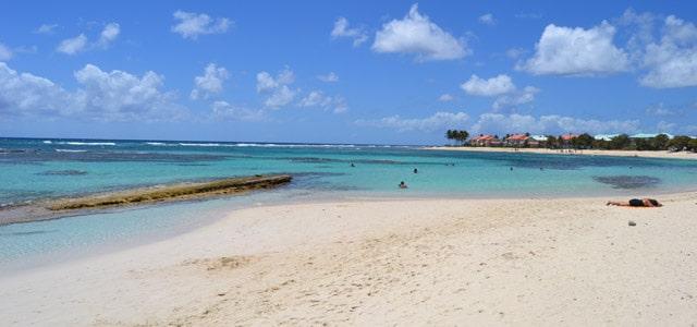 Karibikstrand auf Guadeloupe