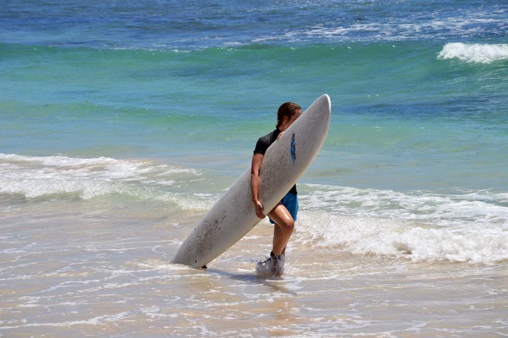 Guadeloupe Saint Francois Strand Grande Terre Wellenreiten Surfen