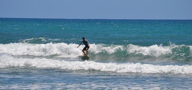 Surfer auf Guadeloupe