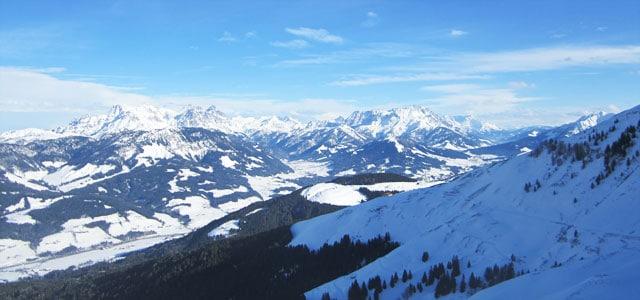 Verschneite Landschaft in Oesterreich