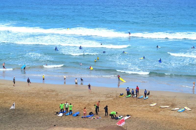 Surfen mit der Davinga Surf School am La Pared auf Fuerteventura