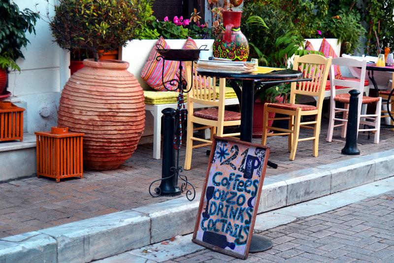 Athen mit dem Fahrrad: Cafe in Athen, Sightseeing in Griechenland