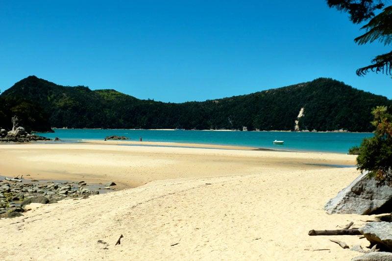 Strand im Abel Tasman Nationalpark in Neuseeland
