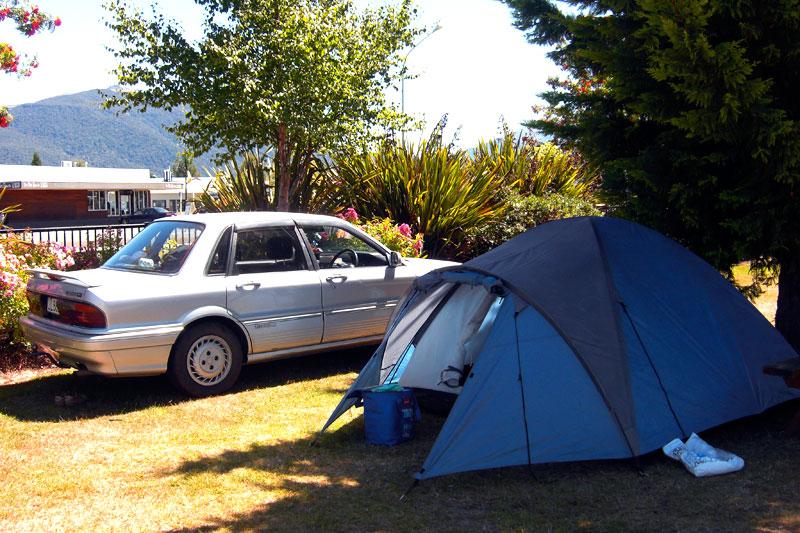 Camping in Neuseeland mit Auto und Zelt