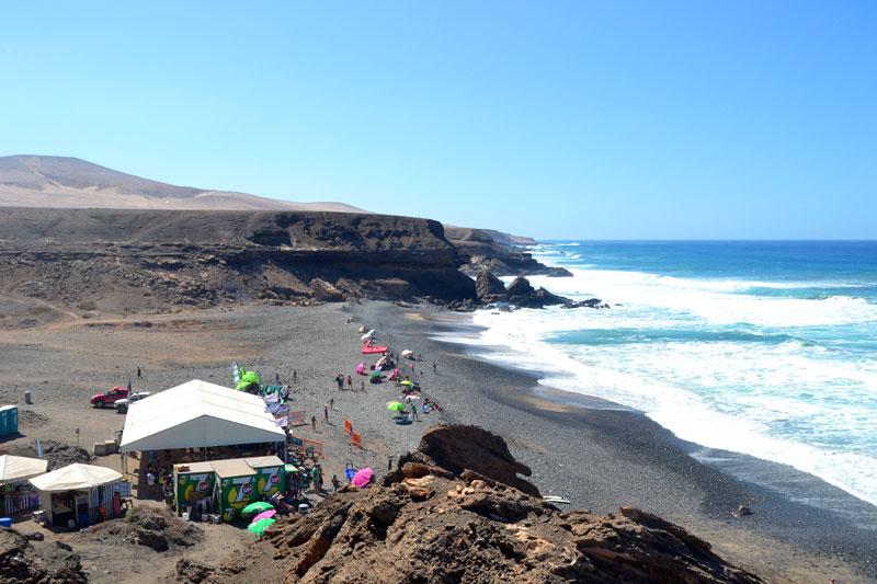 Surfcontest am Playa de Garcey auf Fuerteventura
