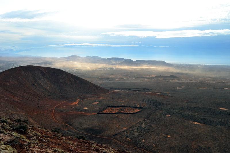Ausblick vom Vulkan El Colorado auf Fuerteventura