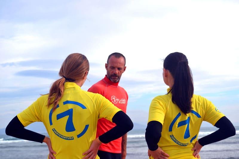 Natural Surf Camp: Surfen mit 7islandsurf auf Fuerteventura