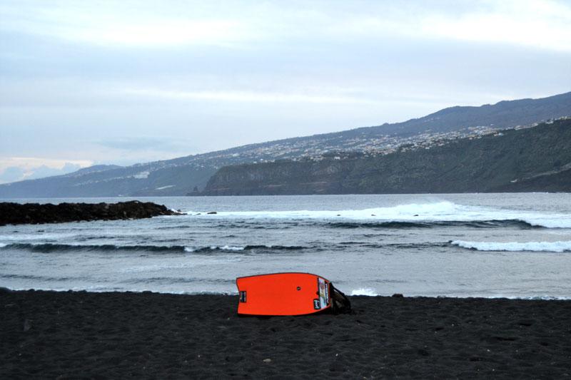 Surfen auf Teneriffa: Playa Martianez Teneriffa Bodyboarden