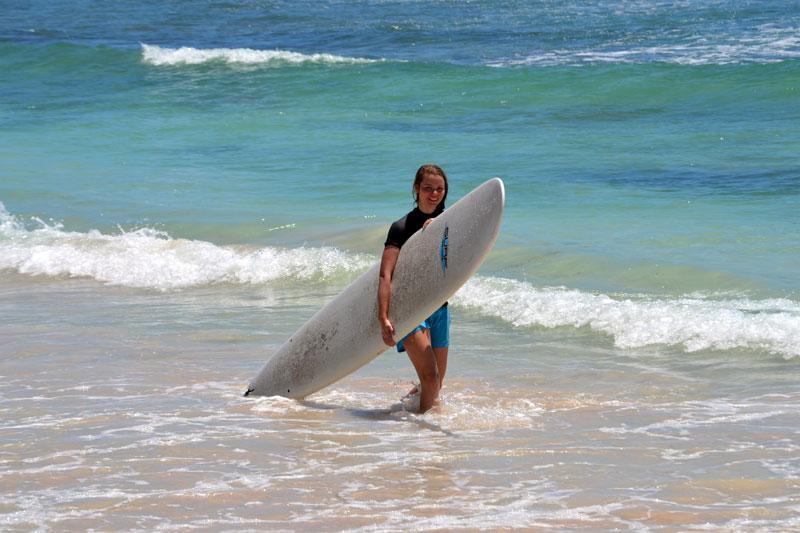 Reisetipps für Verliebte: Wellenreiten auf Guadeloupe