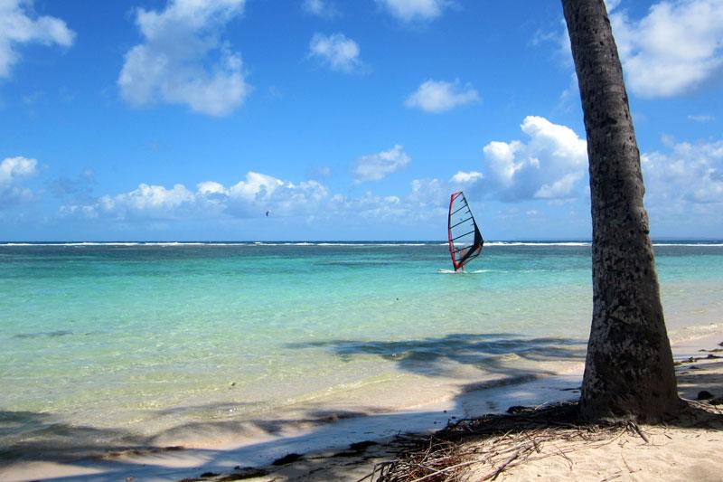 Reisetipps für Verliebte: guadeloupe_windsurfen_grande_terre