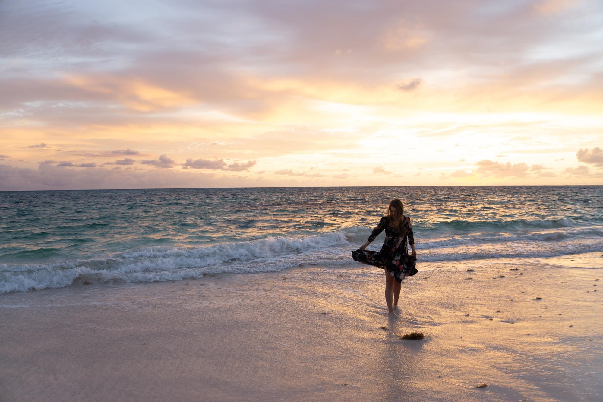 Surfponcho von Atlantic Shore am Strand von Morro Jable
