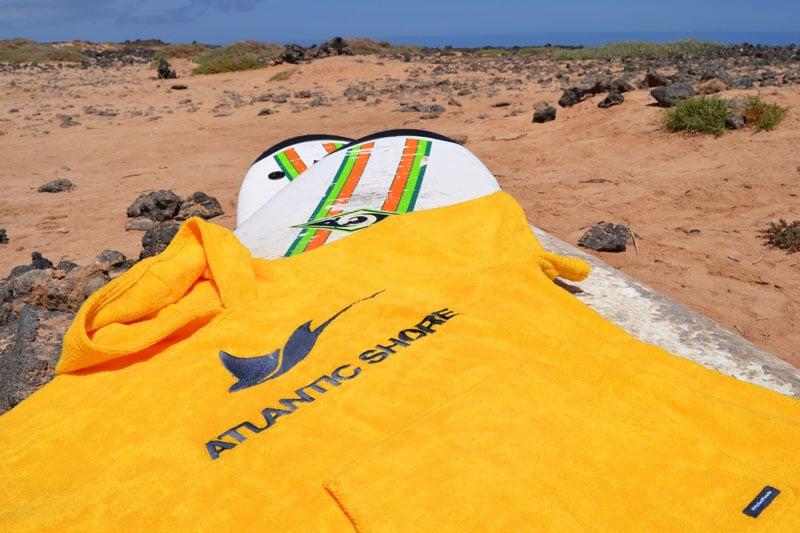 Surfponcho in Gelb aus Baumwolle von Atlantic Shore