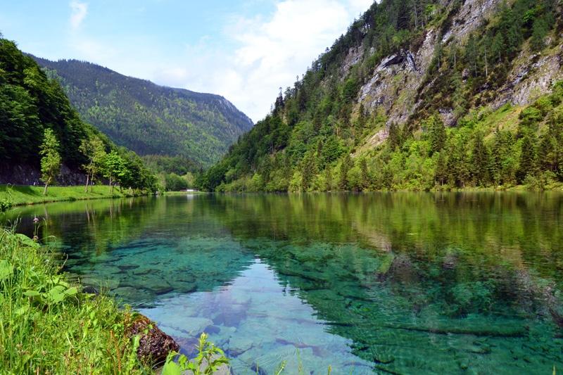 Kristallklarer See bei Reit im Winkl in Bayern