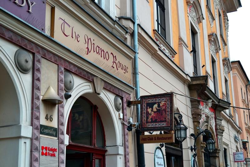 Piano Bar in der Altstadt von Krakau, Polen