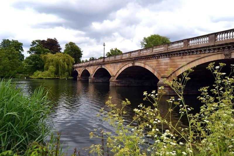 Brücke im Hyde Park in London