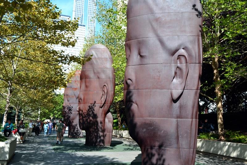 Chicago Sehenswürdigkeiten: Millenium Park Gesichter Statuen