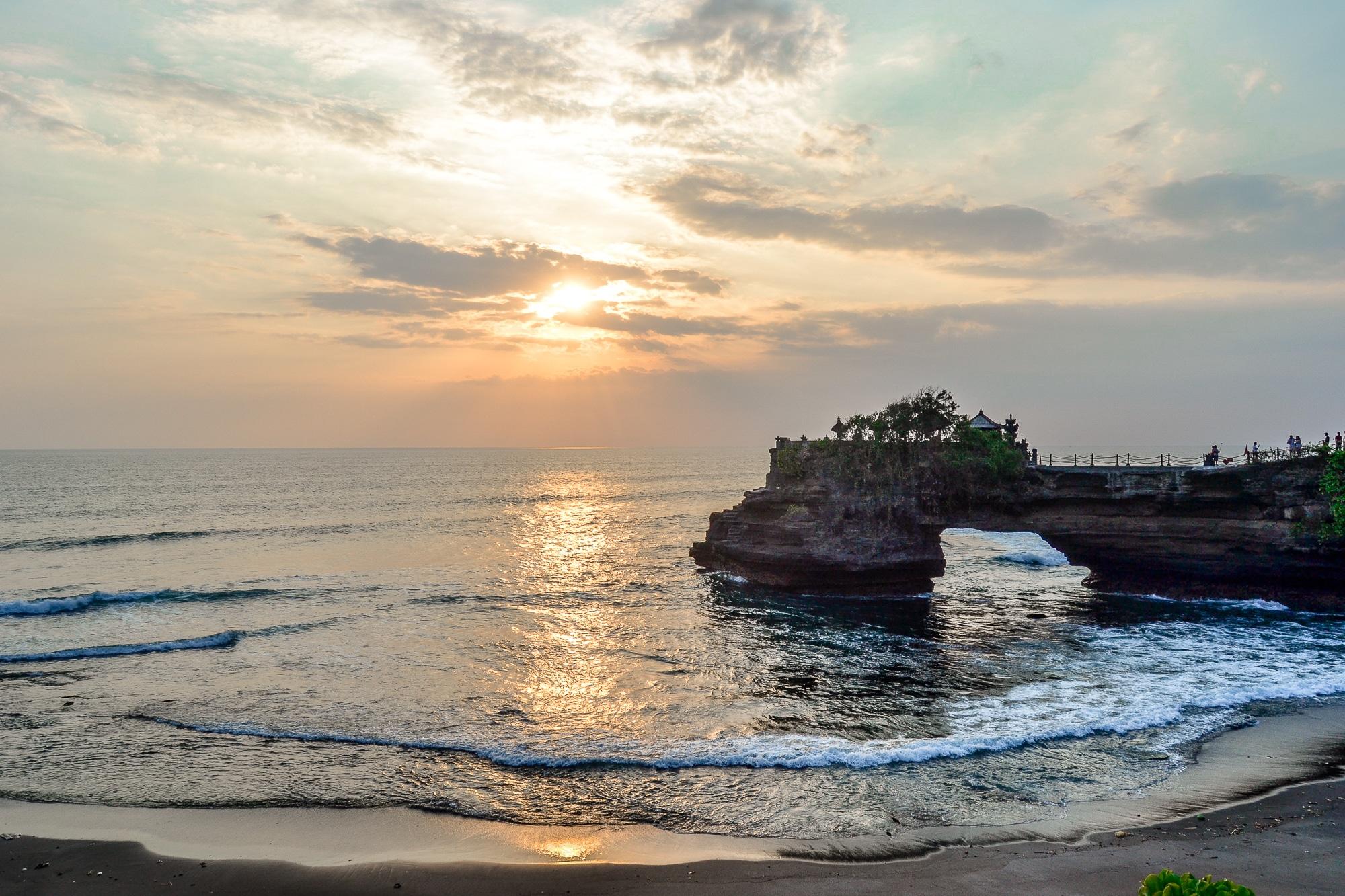 Bali Hindu Tempel Pura Tanah Lot Sonnenuntergang