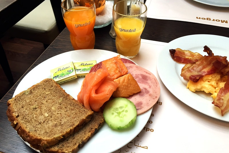 Frühstück im Crowne Plaza Berlin City Center