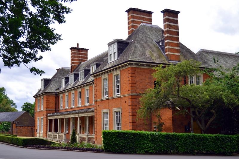 Rotes Backsteinhaus im Hyde Park London