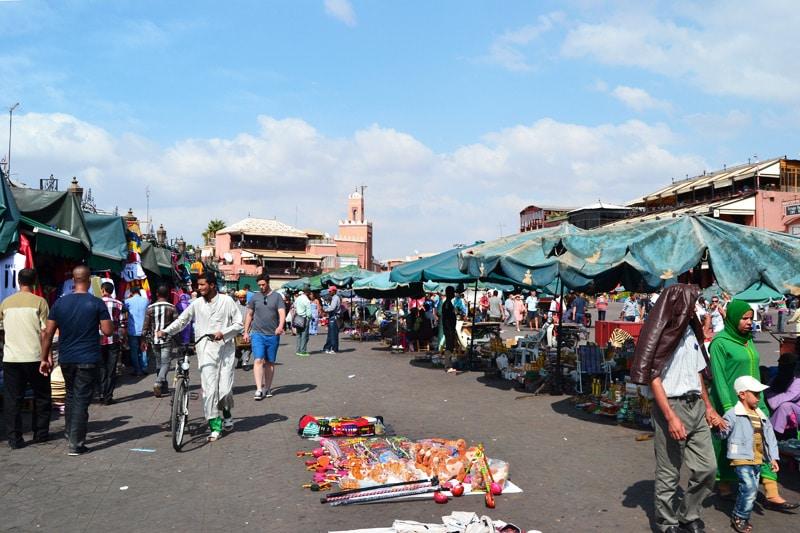 Djemaa el Fna Marktplatz in Marrakesch, Marokko