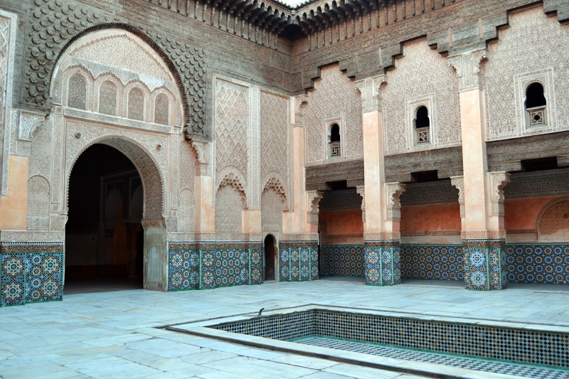 Innenhof der Koranschule Medersa Ben Youssef in Marrakesch, Marokko