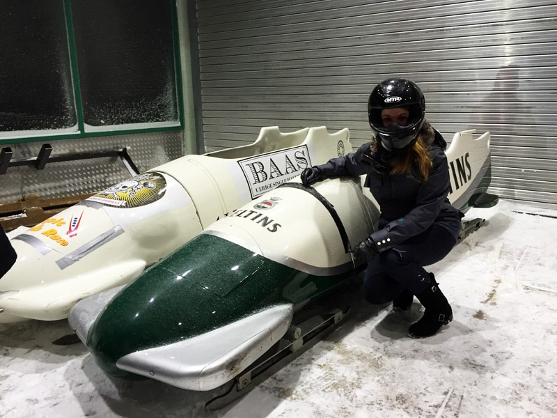 Bobfahren in der Veltins Eisarena: Taxibob mit Olympic Bob Race