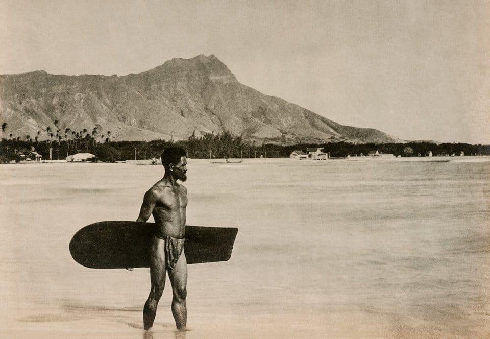 Surfing Bildband aus dem Taschen Verlag . Surfing. 1778-2015