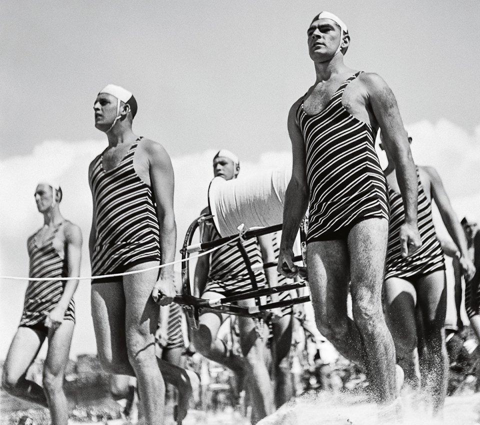 Surfing Bildband aus dem Taschen Verlag - Surfing. 1778-2015