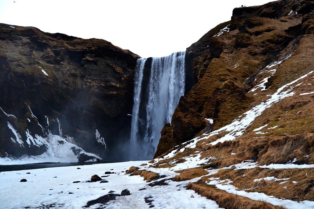 Island Südküste: Wasserfall Skogafoss