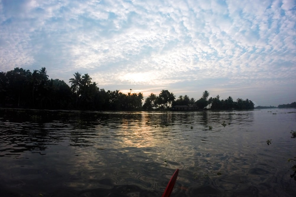 Kayak Tour mit Kalypso Adventures in den Backwaters von Kerala