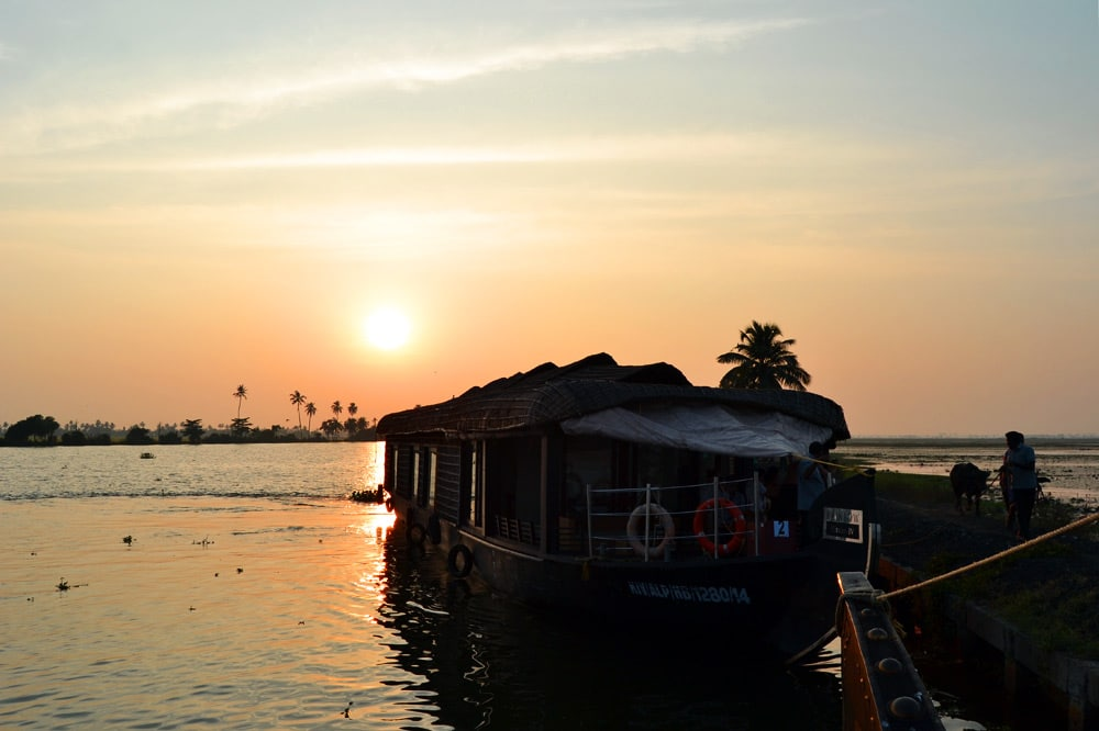 Die Kerala Backwaters in Indien : Sonnenuntergang