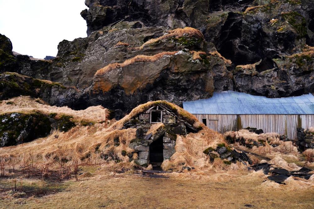 Torffarmen bei Drangshlid, Island - Turf Huts