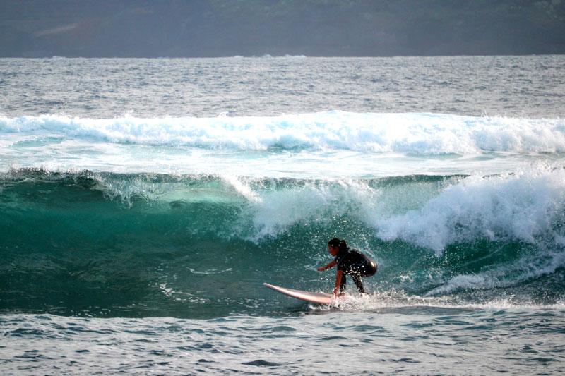 Surfen am Playa Jardin in Puerto de la Cruz auf Teneriffa