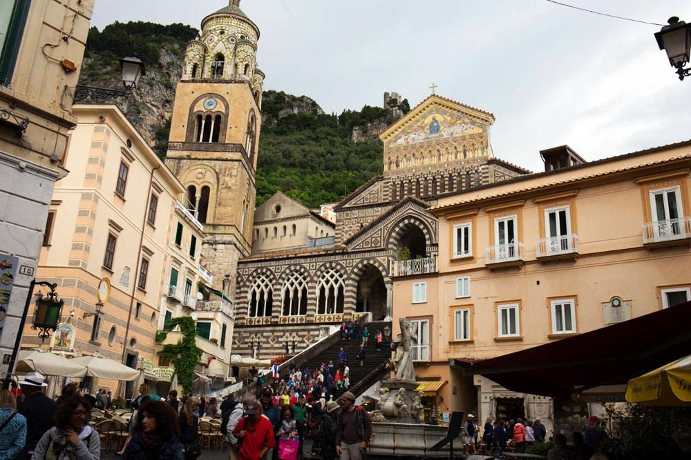 Platz vor der Kathedrale in Amalfi