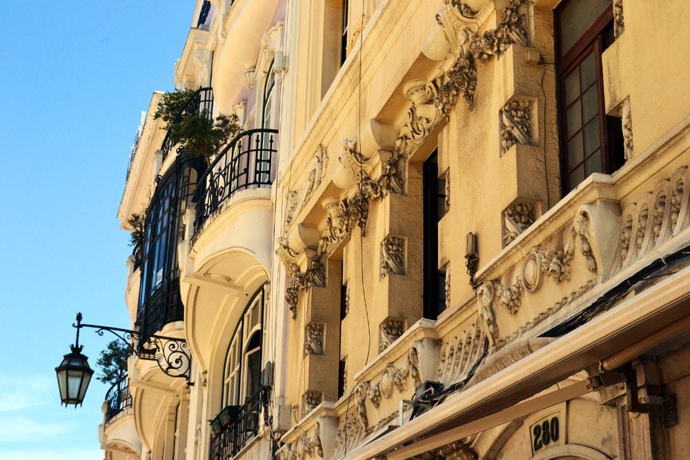 Lissabon Altstadt Stuck verzierte Häuser
