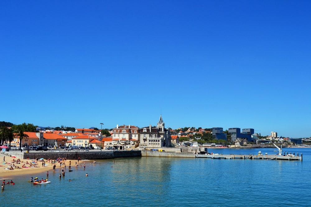 Cascais bei Lissabon - Blick auf die Altstadt vom Hafen