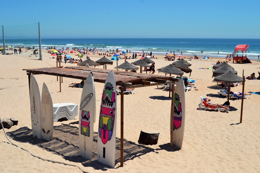 Praia de Carcavelos - Surfen in Lissabon, Portugal