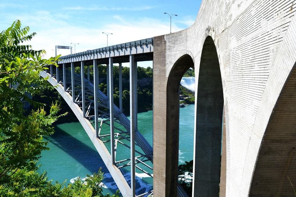 Rainbow Bridge Niagarafälle Niagara Falls Ontario Kanada