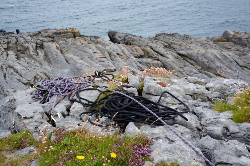 Abseilen: Abseiling am The Burren im Südwesten von Irland