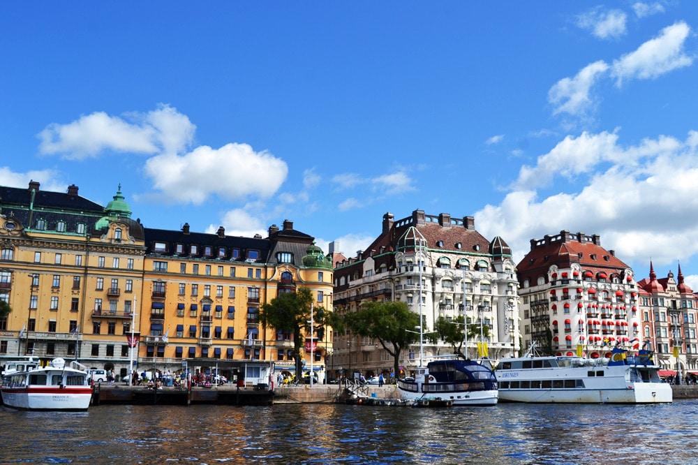 Östermalm Promenade am Wasser mit Villen und teuren Häusern