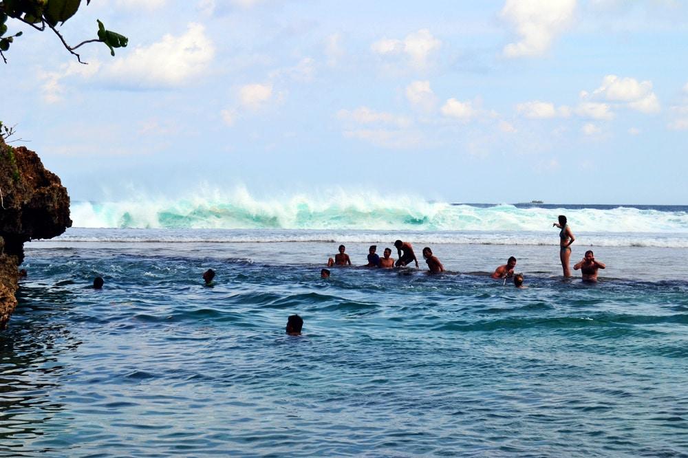 Magpupungko Beach Tidal Pools Siargao, Philippinen