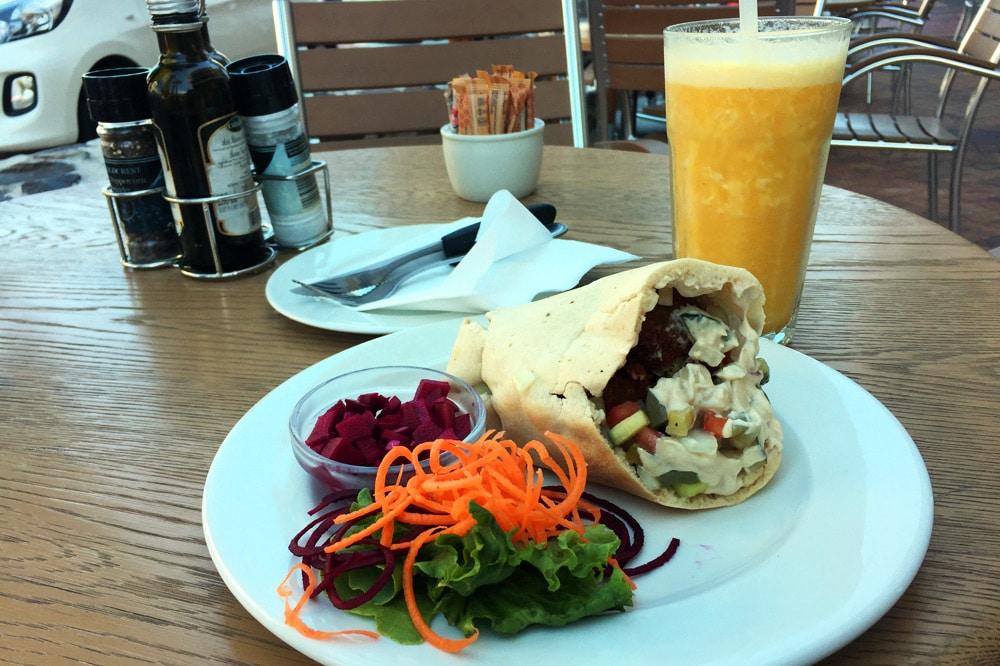 Newport Market and Deli Falafel Wrap Kapstadt