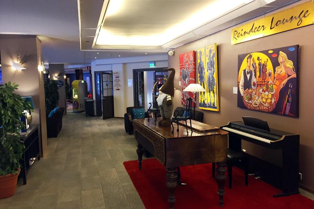 Hotel Hullu Poro in Levi, Lappland - Lounge und Lobby