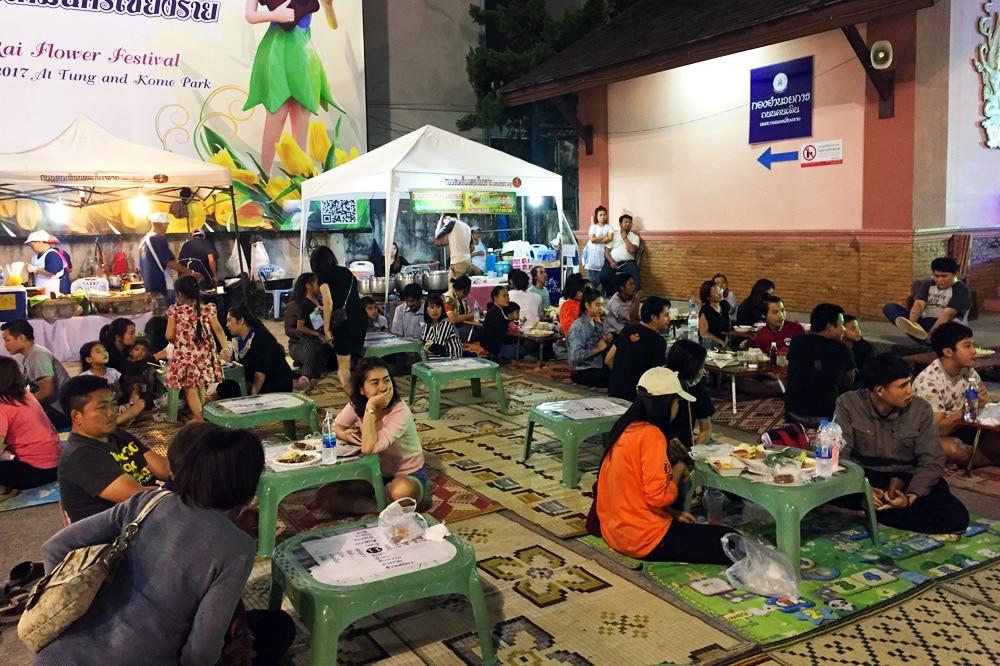 Saturday Walking Street Nachtmarkt Chiang Rai, Thailand