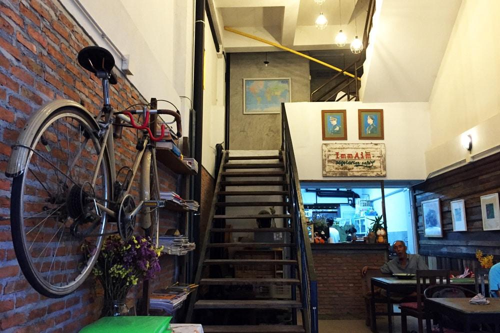 Restaurants in Chiang Mai: Imm Aim Vegetarian and Bike Cafe