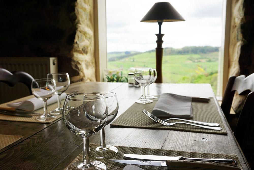 Roadtrip Frankreich: Aussicht aus dem Restaurant Auberge de la Murette in Loire