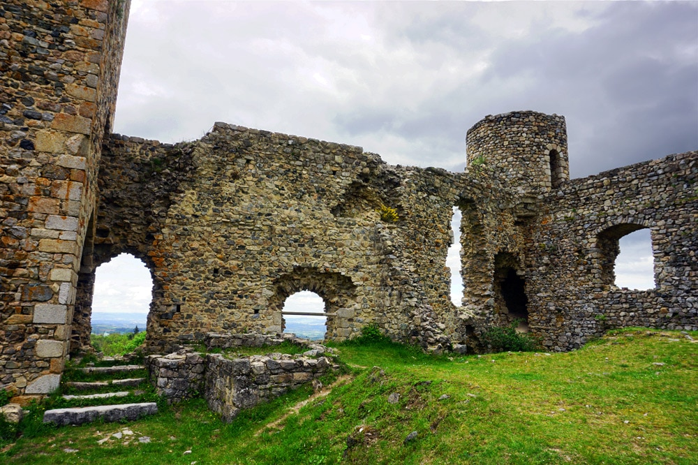 Roadtrip Frankreich: Castle d'Urfe Schlossruine in der Loire