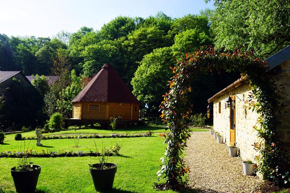 Frankreich Roadtrip: Kotas Esprit Nordique Holzhäuser in den Ardennen