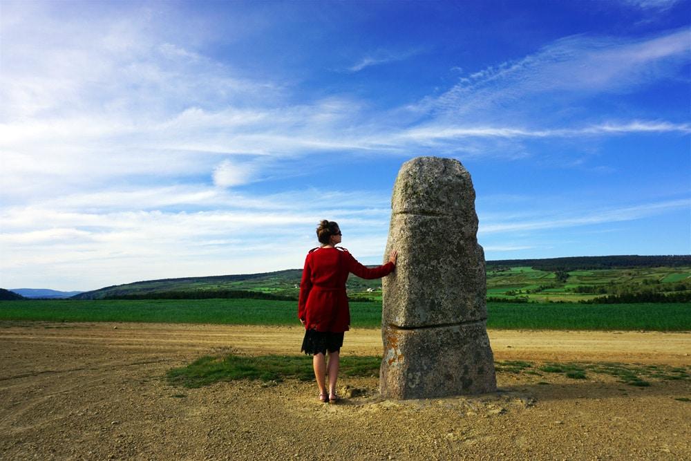 Frankreich Roadtrip: Hinkelsteine (Menhire) La Chams des Bondons Megalithen in Lozere