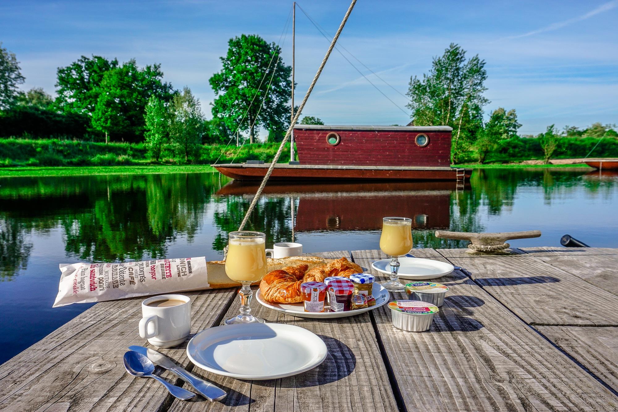 Hausbootferien in Frankreich: Auf dem Hausboot in Burgund und in den Vogesen